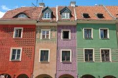 Bunte Gebäude auf Markt in Posen Stockbild