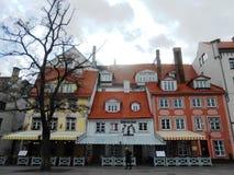BUNTE GEBÄUDE IN RIGA, LETTLAND Stockbilder