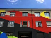 bunte farbe an der fassade des modernen b rogeb udes stockbild bild von fenster geb ude 86956671. Black Bedroom Furniture Sets. Home Design Ideas
