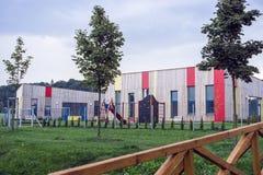 Bunte Gebäudekindergärten Lizenzfreies Stockbild