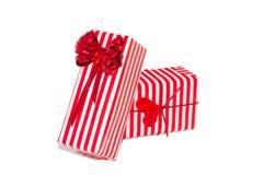 Bunte Geschenkkästen mit Bogen und Innerem Lizenzfreie Stockfotos