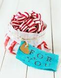 Bunte gestreifte Süßigkeit für Sie Lizenzfreie Stockfotos