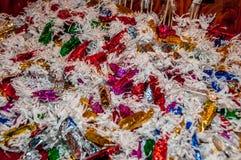 Bunte glänzende Süßigkeits-Bonbons Stockbild