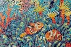 Bunte Glasmosaikkunst-Formfische Stockbild