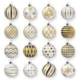 Bunte glatte Weihnachtsbälle mit Schatten Satz realistische Dekorationen Stockbild