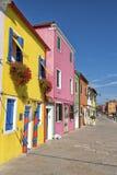 Bunte Häuser in Burano Lizenzfreie Stockfotos