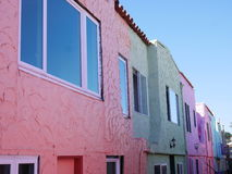 Bunte Häuser in Capitola Stockbilder