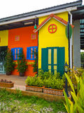 Bunte Häuser in der Boots-Piazza, Phuket Lizenzfreies Stockbild