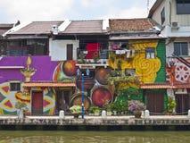 Bunte Häuser am Flussufer, Melaka Lizenzfreies Stockfoto