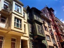 Bunte Häuser in Istanbul, die Türkei Stockfotografie