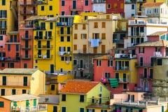 Bunte Häuser in Manarola, Cinque Terre - Italien stockfoto