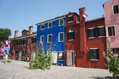 Bunte Häuser von Burano in Venedig, Italien lizenzfreies stockfoto