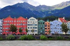 Bunte Häuser von Innsbruck, Österreich Stockbilder