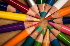 Bunte hölzerne Bleistifte Stockbild