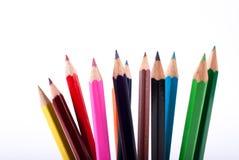 Bunte hölzerne Bleistifte lokalisiert auf weißem Hintergrund Lizenzfreies Stockfoto