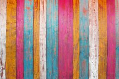 Bunte hölzerne Planken-Platte stockbild