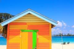 Bunte Hütte in den Bahamas Lizenzfreie Stockfotos