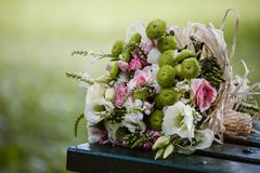 Bunte Hochzeits-Blumen Stockfotos