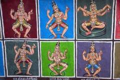 Bunte Idole gemalt auf dem inneren Wand Sarangapani-Tempel, Kumbakonam, Tamil Nadu, Indien Lizenzfreies Stockbild