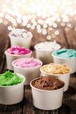 Bunte italienische Eiscreme für eine festliche Gelegenheit Lizenzfreie Stockbilder