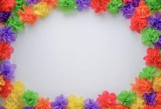 Bunte künstliche Blume gemacht vom Maulbeerpapier stock abbildung