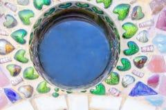 Bunte Keramikziegelkunst der Wand Stockfotografie