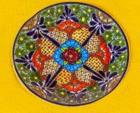 Bunte keramische mexikanische Platte Guanajuato Mexiko Lizenzfreie Stockbilder