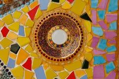 Bunte keramische Musterdekoration mit den Kieseln gemacht vom pebbl Lizenzfreie Stockfotografie