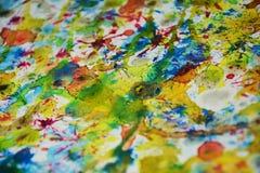 Bunte klare Farben, kreativer Hintergrund des Wachsfarben-Aquarells Stockfotografie