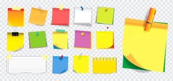 Bunte klebrige Anmerkung oder zerrissenes Papier Anwendung in der Schule, in der Arbeit oder in der Bürotätigkeit stockfotografie