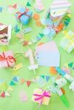 Bunte kleine Geschenke Stockbilder