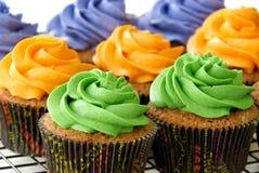Bunte kleine Kuchen Stockbilder