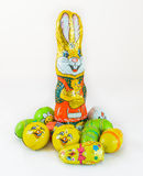 Bunte kleine Schokolade Ostern Bunny Egg Lizenzfreie Stockbilder