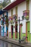 Bunte Kolonialbauten in Salento Kolumbien Lizenzfreie Stockbilder