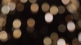 Bunte laufende bokeh Lichter in der Beleuchtung des neuen Jahres Nacht stock video footage