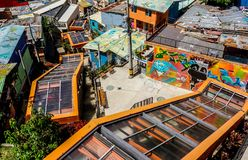 Bunte Medellin-Rolltreppen Lizenzfreie Stockbilder
