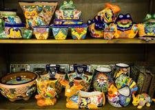 Bunte mexikanische Tonwaren Stockbilder