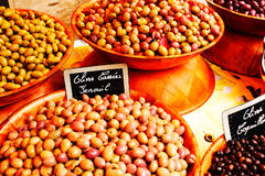 Bunte Oliven Stockfoto