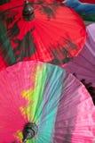 Bunte orientalische Regenschirme Stockbild