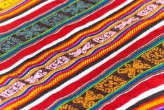 Bunte peruanische Wolldecke Stockbilder