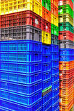 Bunte Plastikbehälter Lizenzfreies Stockfoto
