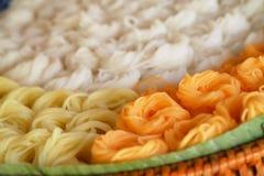 Bunte Reisnudel oder bunte Reissuppennudeln sind Thailand-Traditionseinheimischlebensmittel Stockbild