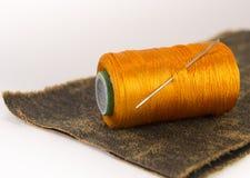 Bunte Rollen des Threads Stockfoto