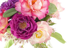 Bunte Rosen im Vase Lizenzfreie Stockbilder