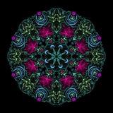 Bunte runde Tantric Mandala At Black Stockfoto