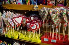 Bunte Süßigkeit und Bonbons im Verkauf Lizenzfreie Stockfotografie