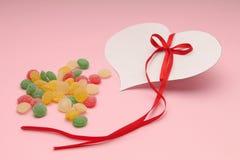 Bunte Süßigkeiten und ein Inneres Lizenzfreie Stockfotos