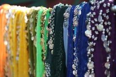 Bunte Schals für Bauch-Tanzen Stockfoto
