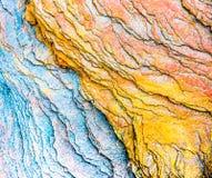 """Bunte Sedimentgesteine bildeten sich durch die Ansammlung von Sedimente †""""natürliche Gesteinsschichthintergründe, -muster und - stockbild"""