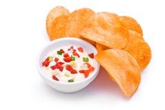 Bunte Soße und Chips Lizenzfreie Stockbilder